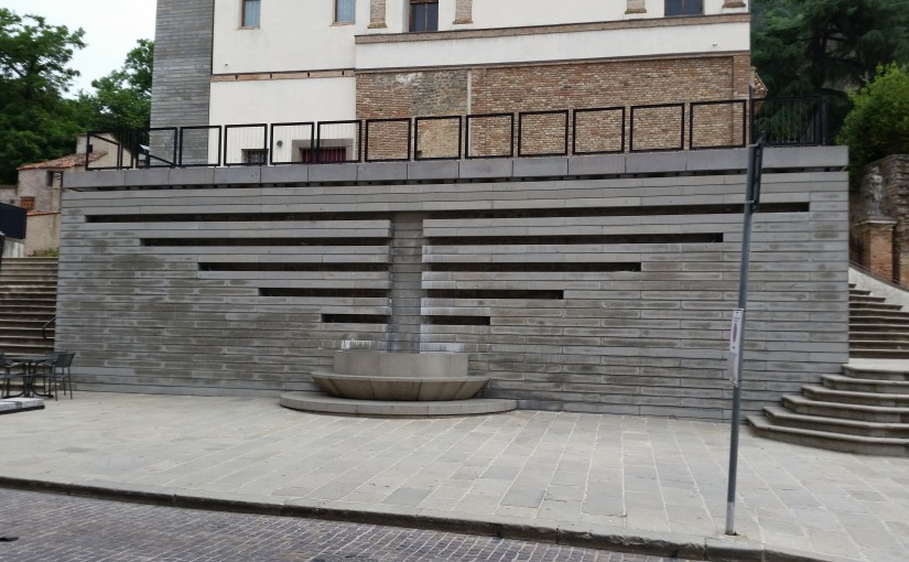 Immagini del degrado nel centro storico di Monselice