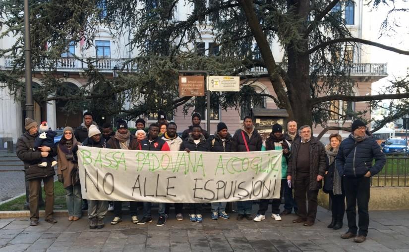 Solidarietà con i profughi espulsi dall'accoglienza